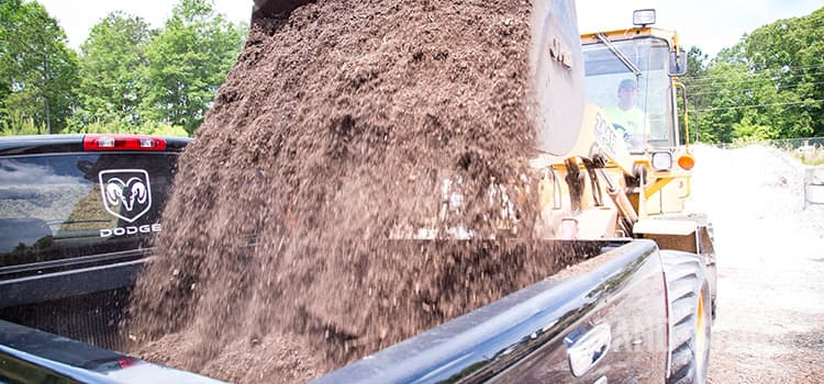 loading topsoil as landscape material suppliers
